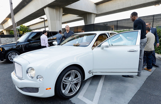 Continental car - Color: White  // Description: cute
