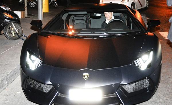 Cristiano Ronaldo Lamborghini Aventador Celebrity Carz